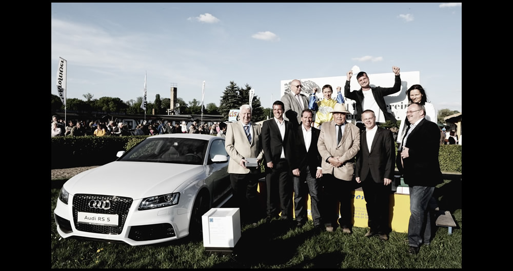 Audi_RS5_outdoor_event_gruppe